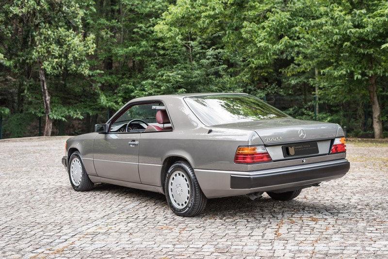 Luxus veloce for 1988 mercedes benz 300ce